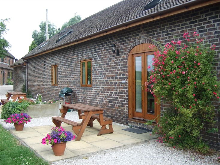 self catering cottages tamworth area